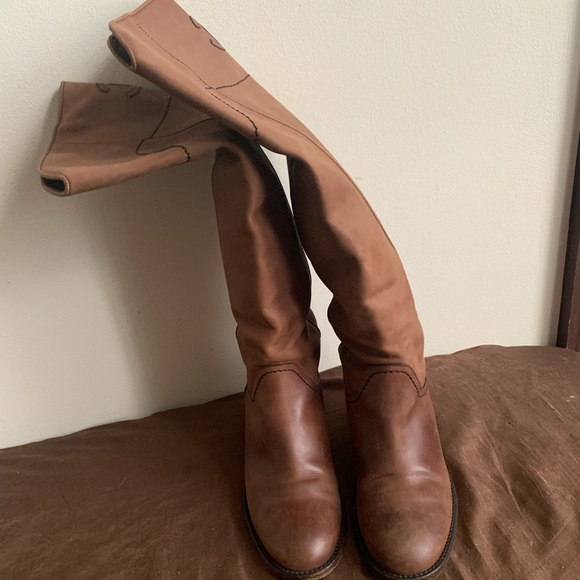 da558949d07 Camel leather Chanel round-toe knee-high boots